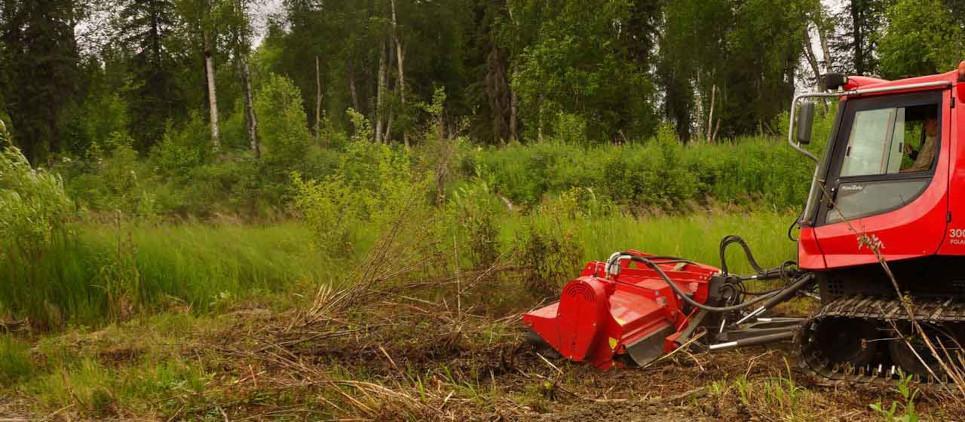 Mulcht Gras und Gestrüpp bis zu 11 cm Ø Auch für die Forstwirtschaft geeignet