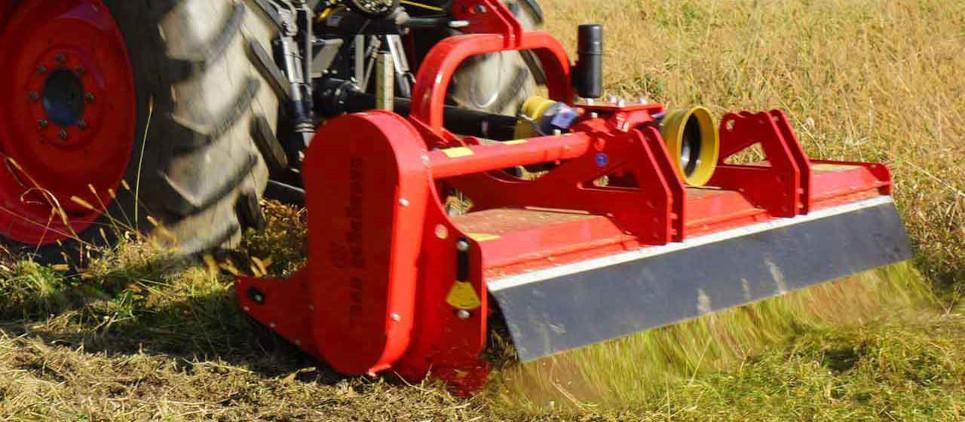 "Reversible mulcher to mulch grass and prunings up to 9 cm [3.5""] Ø"