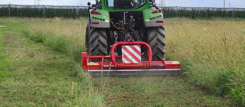 Pour broyage d'herbe et de bois de taille jusqu'à 9 cm Ø