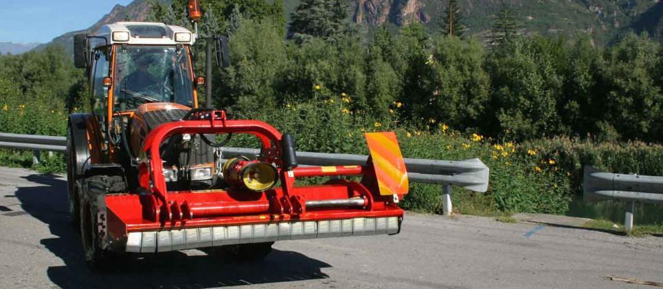 Trituradora reversible con enganche innovadora de 3 puntos para enganche frontal y posterior