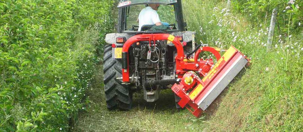 Trinciatrice con grande manovrabilità per trattori compatti