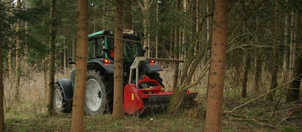 Starker und kompakter Forstmulcher für die Forst- und Landwirtschaft.