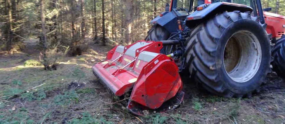 Broyeur forestier en gestion de la végétation.