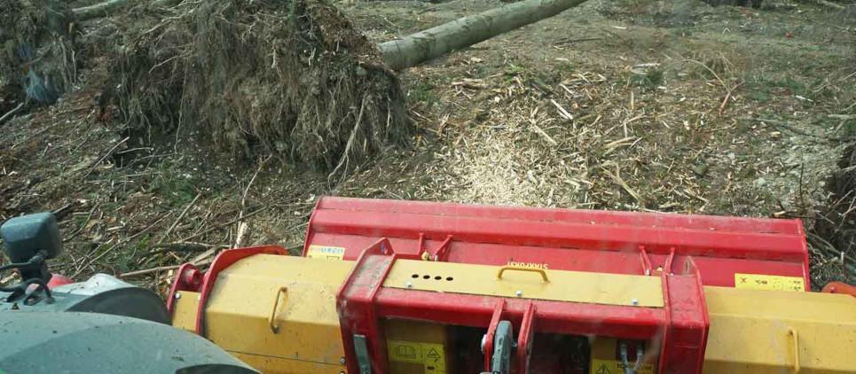 Broyage de bois jusqu'à 40 cm Ø