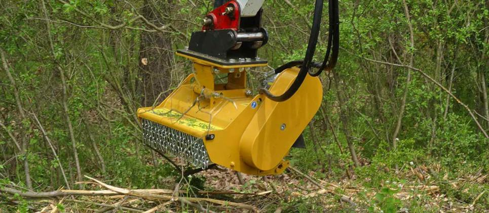 Mulching attachment for excavators from 2 to 5 t
