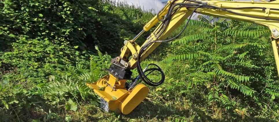 Neues Baggermulchgerät für professionelle Grünpflege